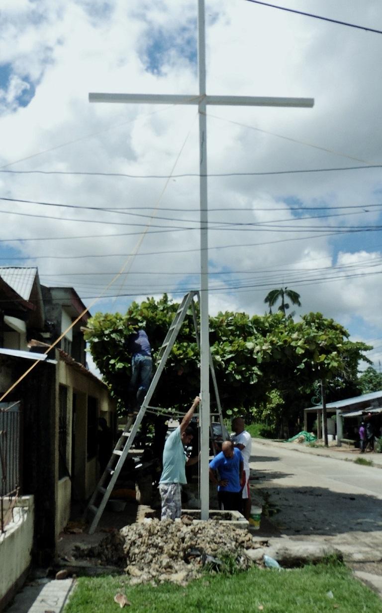 Cross. Leticia Colombia 12.12.14 WEB 01