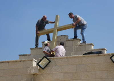 Lifting Cross to the roof